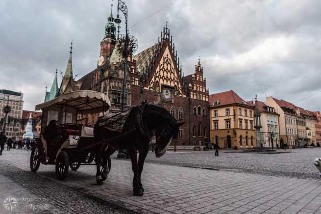 Carro de caballos en Wroclaw