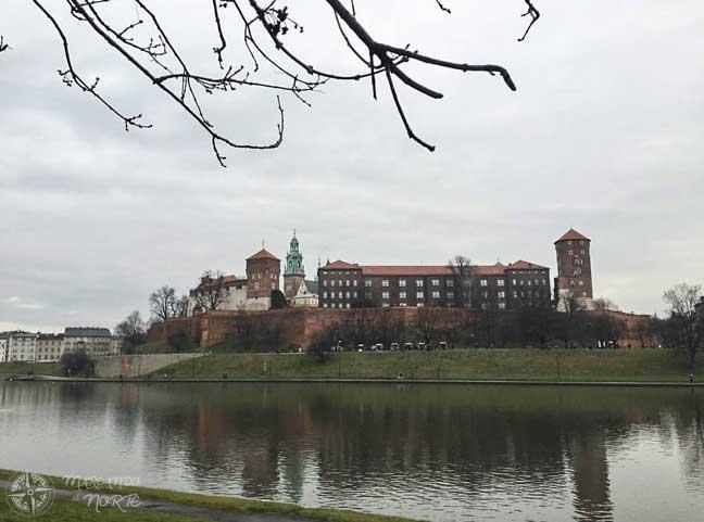 Colina de Wawel a orillas del Vístula